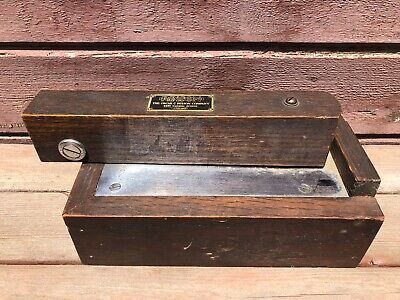 Antique Oscar RIXSON Chicago Door Closer Floor Part No. 10 Oak Case