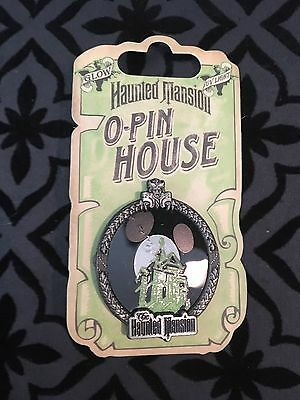 2009 Disney Haunted Mansion O-Pin House Mickey Mouse Moon - Glow in the Dark MOC