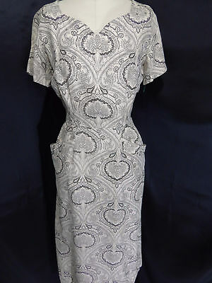 Vintage 1940s-50s DRESS~Ivory/Black SHEATH PAISLEY RHINESTONES PEARLS 36B 27W