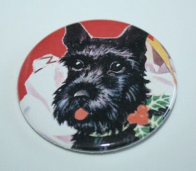 SCOTTISH TERRIER CHRISTMAS PIN BUTTON Scottie Dog Vintage Art Holiday HOLLY