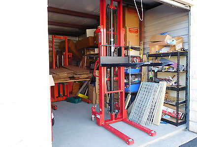 DAYTON GRAINGER 4VME3  2000 lb x 10' hydraulic fork lift stacker excellent cond!