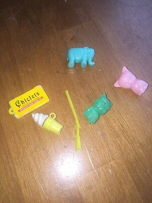 LOT OF VINTAGE GUMBALL CRACKER JACK CHARMS PRIZES AND SMALL TOYS Pig Chiclets
