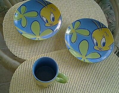 Vintage  Tweety Bird Warner Bros studio store - 2 plates and mug vintage 1998