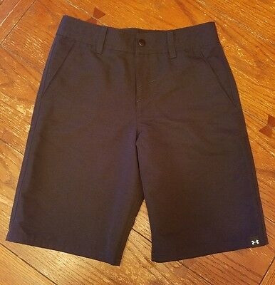 Boys Under Armour black golf style shorts, size L