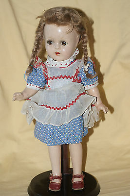 Vintage Unmarked Composition MMe Alexander McGuffie Ana  Doll