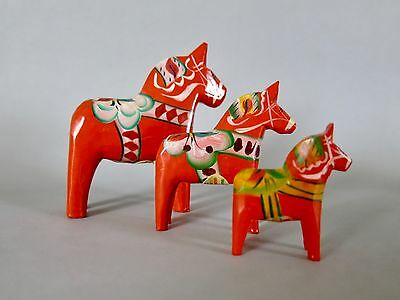 Traditional Red Swedish Dala Horse Wood Carvings Grannas A. Olssons - Set Of 3