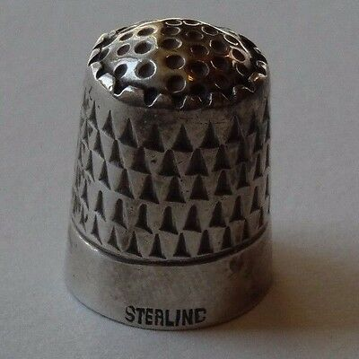 Antique sterling silver Unmarked thimble unusual triangle knurling on sides
