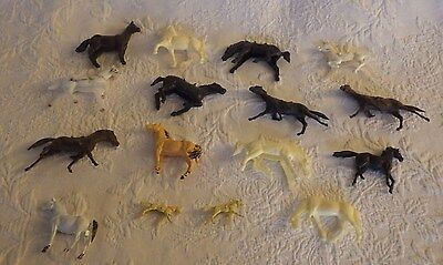 Vintage Lot of 16 Plastic Farm Animals Animal Horses Various Sizes Colors