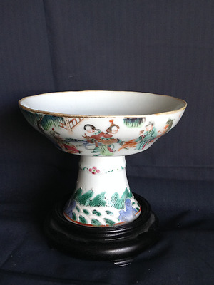 An Antique Chinese Famille Rose Porcelain High Foot Cup