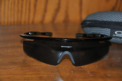 OAKLEY Sunglasses with Case