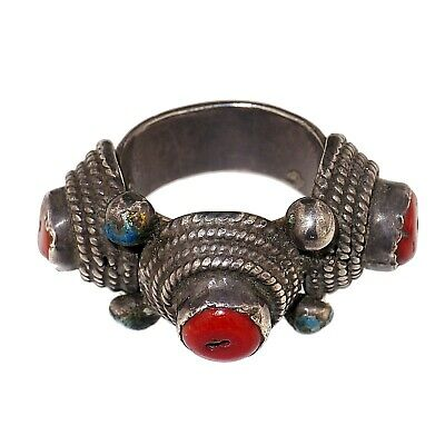 (1332) Antique Mongolian silver ring set with coral