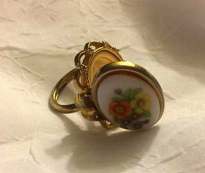 Vintage Avon Locket Ring Size 4 French Flowers Cameo Adjustable