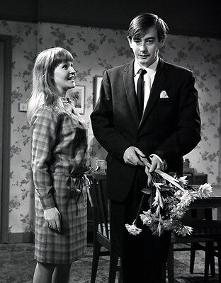 Derek Fowlds and Michelle Dotrice photo - H6235 - The Sad Smile of the Mona Lisa