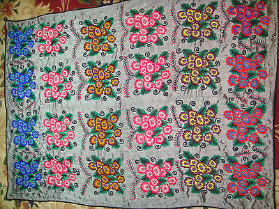 ANTIQUE UZBEK VINTAGE HAND EMBROIDERY SILK SUZANI Wall Hanging Quilt Bedding