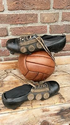 antique leather goal keeper shoes,soccer shoes with leather cleats ,footbal,RARE