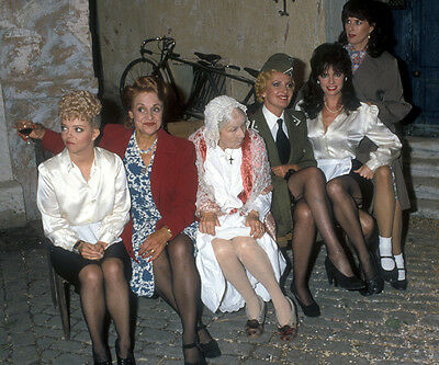 Sue Hodge, Rose Hill & Vicki Michelle UNSIGNED photo - H6316 - 'Allo 'Allo