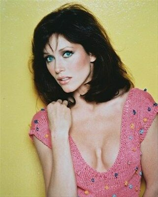 TANYA ROBERTS AS JULIE ROGERS FROM CHARLIE'S 8X10 PHOTO lovely image 243785