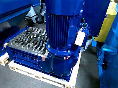 New SatrindTech Twin-Shaft Shredder Model F615/CL