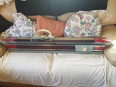 KnitMaster Super (Plus 7500, Possibly) + Ribmaster Attachment Knitting Machine