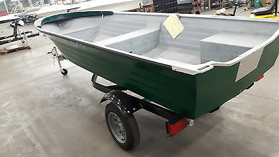 DEMO - FISHERMAN BOAT  FS14, NO MOTOR (max 25 hp), W/ KARAVAN TRAILER