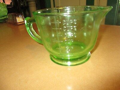 Vintage~2 Cup~16 oz MEASURING~MIXING CUP~Green Depression Glass