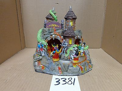 Lemax Spooky Town Tunnel of Terror 84771 As-Is 3381
