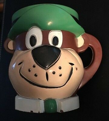 VINTAGE YOGI BEAR PLASTIC CUP, NICE COLLECTIBLE, 1961, F & F Mold And DIE
