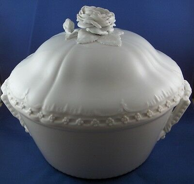 Antique 18thC KPM Berlin Porcelain Floral Soup Tureen Porzellan Terrine German