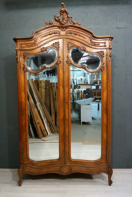 Stunning Antique French Wardrobe / Armoire (BR195)