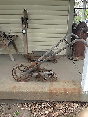 Primitive 1800's Antique SEEDER PLANTER CULTIVATOR Plow Farm Rustic Garden Tool
