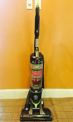 Hoover Windtunnel Air Bagless Upright Vacuum Cleaner ~ Model UH72400