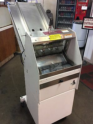 BERKEL Gravity Fed Bread Slicer with Chute