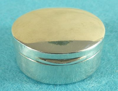 Lovely Edwardian Sterling Silver Round Pill Box S. Blanckensee Birmingham 1909