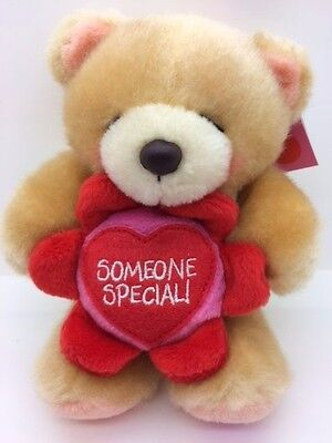 New FOREVER FRIENDS Plush Honey Bear With SOMEONE SPECIAL Flower BNWT