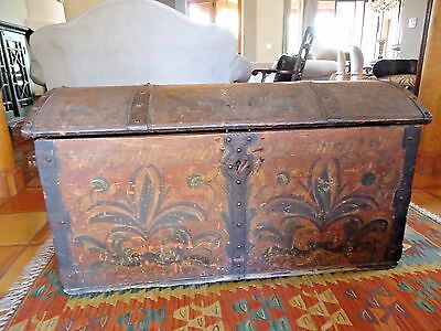 ANTIQUE 17th CENTURY SCANDINAVIAN PAINTED WOOD IMMIGRANT BRIDAL BLANKET TRUNK