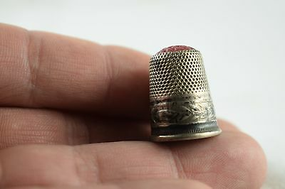 Vintage Early 800 Marked Sterling Silver Thimble w/ Red Glass