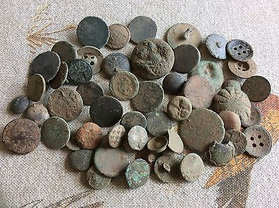 metal detecting finds - English - buttons