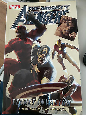 Mighty Avengers: Vol. 3, book 1: Secret Invasions by Marvel Comics...