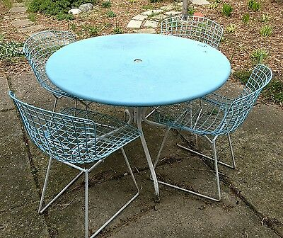 vintage mid century Knoll Bertoia wire chairs table patio set