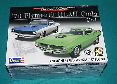 '70 Plymouth Hemi Cuda 2 in 1 Revell 1/25 Special Edition Factory Sealed.