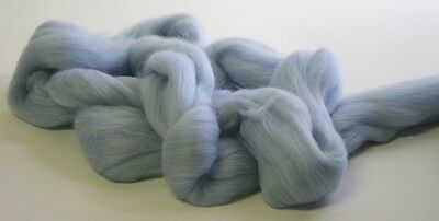 3950g Fine Coloured Merino Wool 19.5mic top roving spinning felting Pale Blue