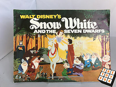 Walt Disney Snow White and the Seven Dwarfs Story Book 1972