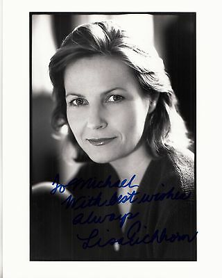 LISA EICHHORN hand-signed BEAUTIFUL YOUNG 8x10 CLOSEUP authentic w/ UACC RD COA