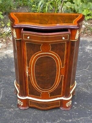 Great tulip wood marquetry Louis XV style Commodes