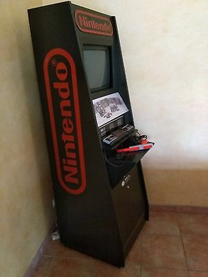borne nintendo Nes officielle kiosk display avec M82
