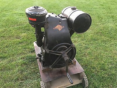 Vintage Briggs & Stratton Model ZZP Stationary Engine 1940s Hit & Miss Engine