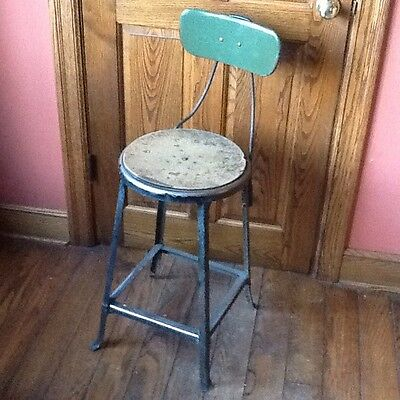 "Vintage Industrial 24"" Metal Stool With Back - 14"" Seat - Great Look !!"