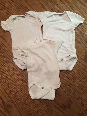 3 Gerber Onesies Size 0-3 Months- Excellent Condition