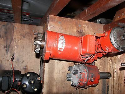 Generator/distributor For 4 Cyl Wisconsin Engine Good Condition