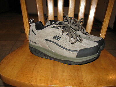 Mens Skechers Shape Up sneakers size US 8